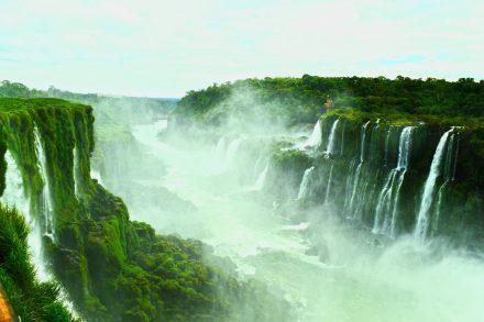 Wann ist die beste Reisezeit zu den Iguazu Wasserfällen ? 2